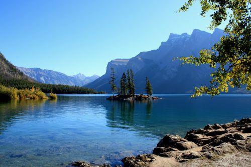 Kanada,daugiau,kalnai