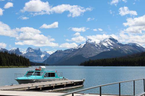 canadian rockies maligne lake jasper