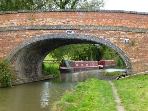 canal boat towpath