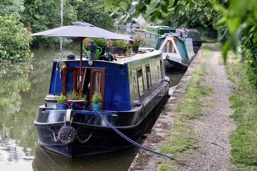 canal  boat  boats