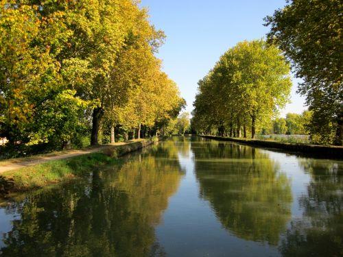canal de garonne france canal