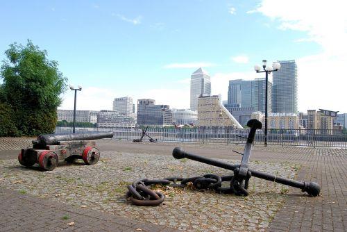canary wharf london business