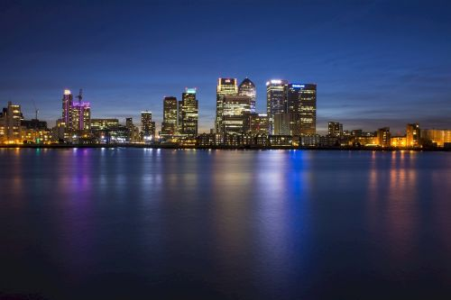canary wharf business district london