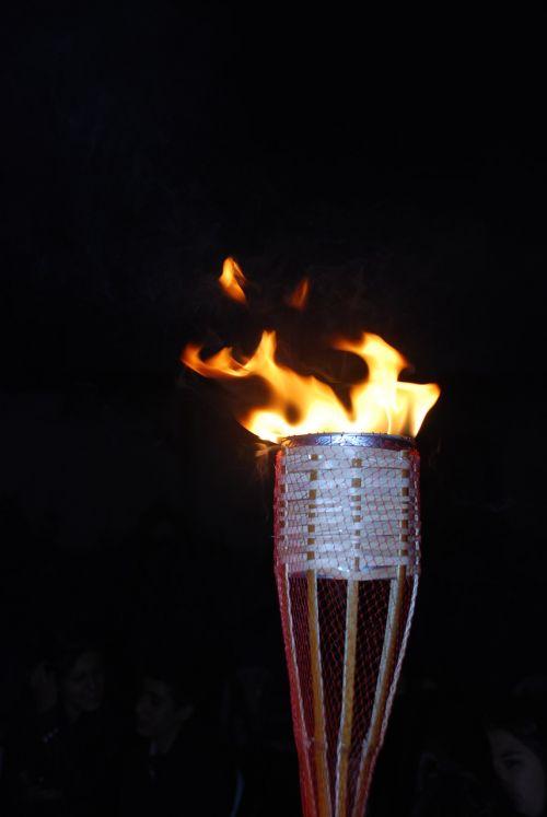 candela fire campfire