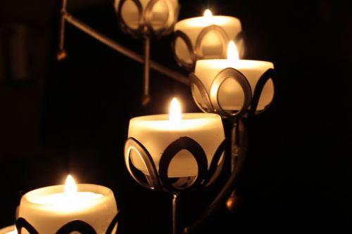 žvakė,žvakidės,šviesa,romantiškas,žvakių šviesa,liepsna,pragaras,nuotaika,deko,deginti