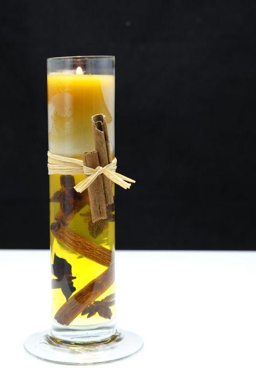 žvakė,kvapi žvakė,cinamonas,prieskoniai,rankų darbo,rankų darbas,amatų,meno amatai,apdaila,deko