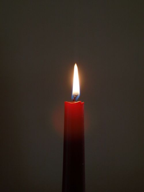 candle wick red