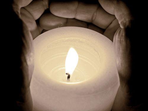 candle light burn