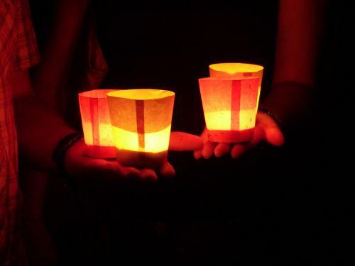 candles hand keep