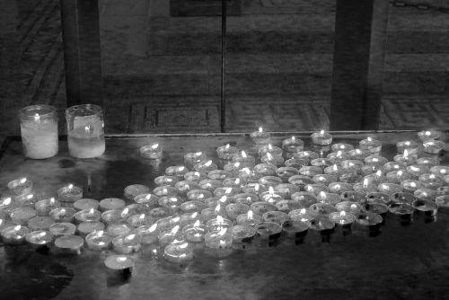 candles worship mourn