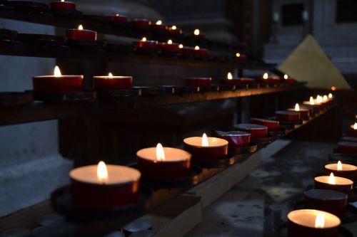 candles church esztergom