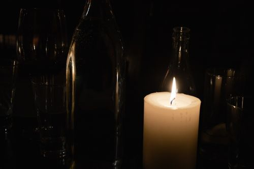 candles low burns