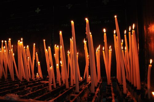 žvakės, Ugnis, melstis