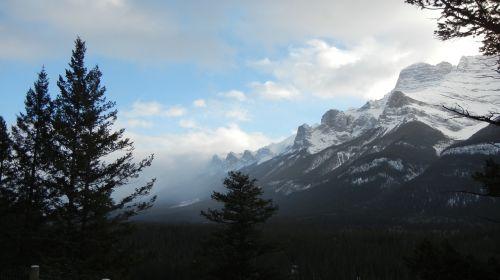 canmore alberta rocky mountains