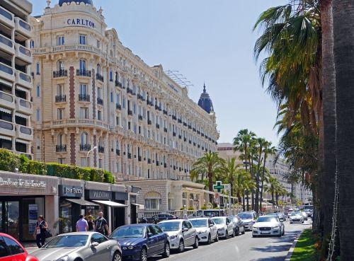 cannes,Côte dAzur,ežero promenada,palmės,viešbučiai,Viduržemio jūros,į pietus nuo Prancūzijos,filmu festivalis,parduotuvės,išskirtinis,didysis viešbutis,balkonai,boulevard,Promenada,paplūdimio promenadas,Carlton