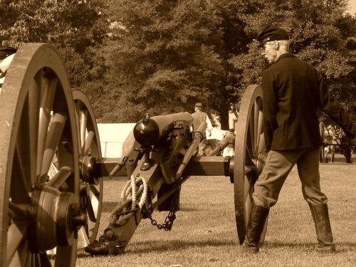 cannon civil war soldier