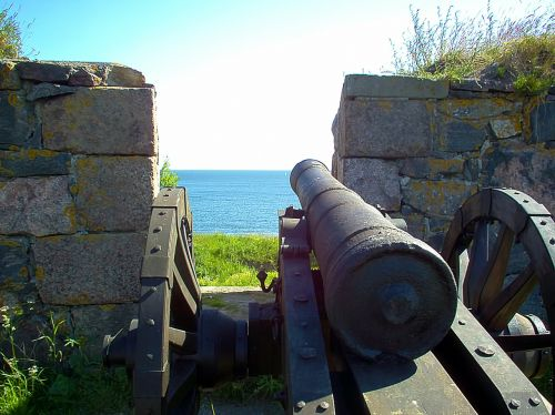 cannon old wall