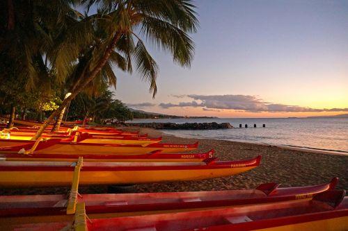 canoe beach maui