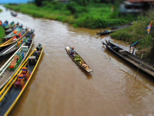 canoe burma lake