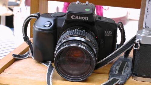 Canon EOS 750 QD 35mm Camera