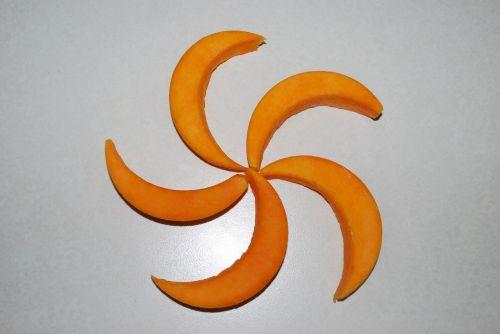 cantaloupe crescent slices