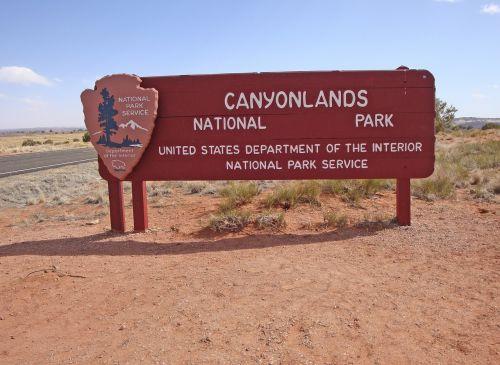 canyonlands national park canyon