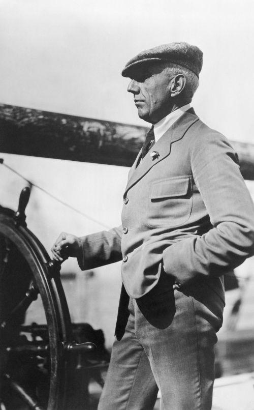 captain roald amundsen expedition