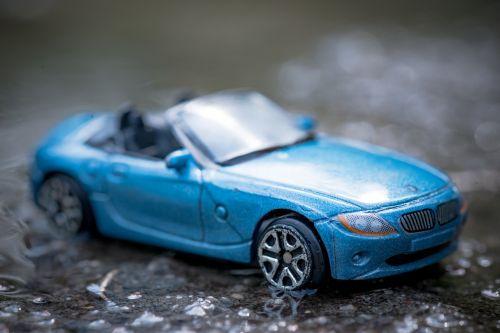 automobilis,transporto priemonė,automatinis,automobilis,transportas,vairuoti,kelionė,hibridas,technologija,eco,vairavimo automobilis,energija,naujas automobilis,automobilis kelyje,paslauga,ekologija,kūdikis,žaislas,kabrioletas,mėlynas