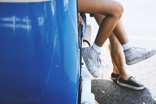 car couple feet