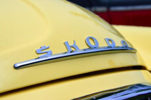 car oldtimer yellow