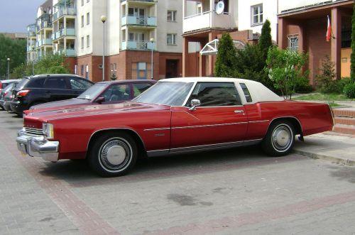 car toronado red