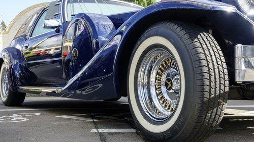 car  retro  exhibition