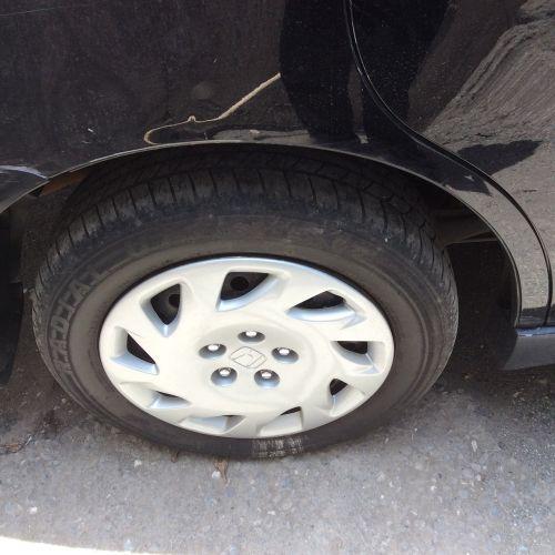 car wheel hubcap tire