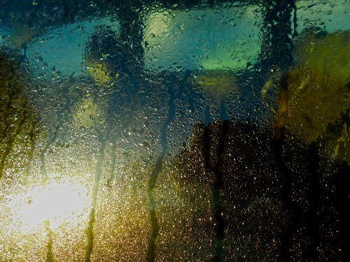 car window condensation drizzle