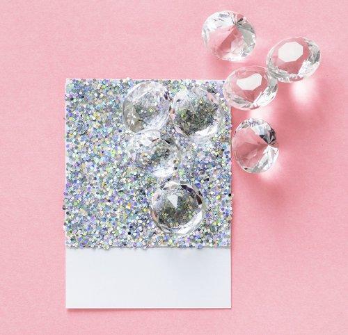 carat  card  confetti
