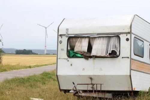 caravan old broken