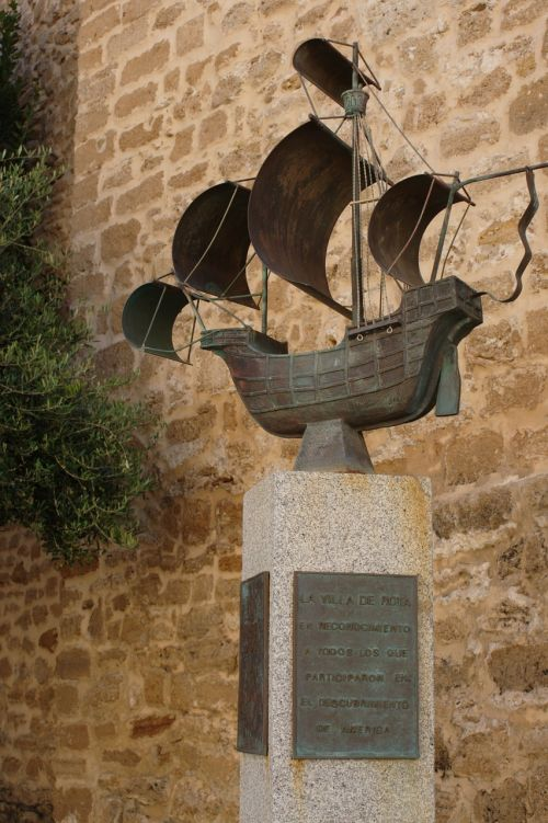 caravel sculpture broken