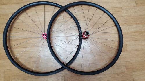 carbon bike wheels