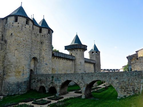 carcassonne defence wall