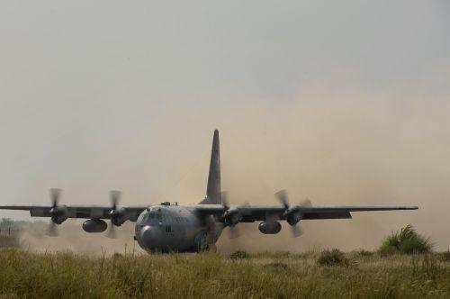 cargo plane c-130