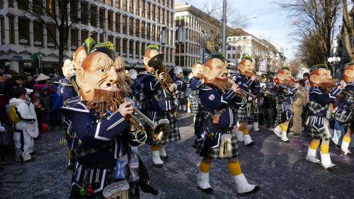 carnival lucerne mask