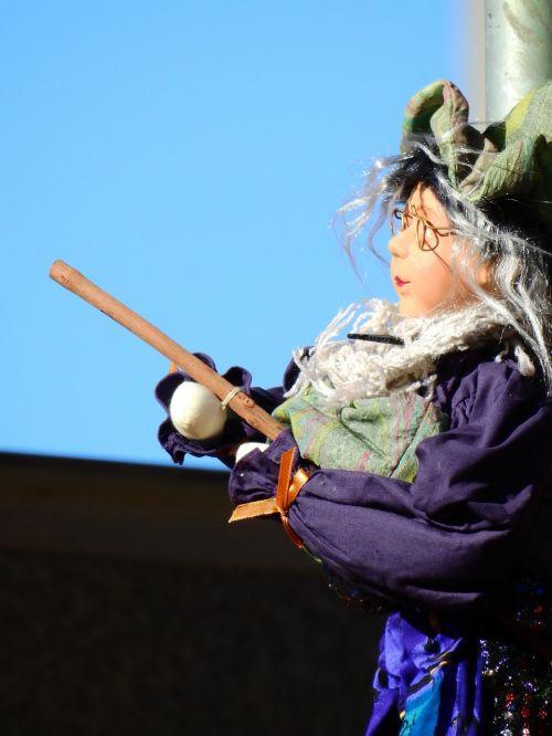 carnival move costume