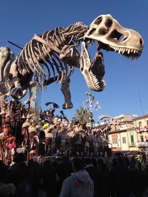 carnival viareggio dino