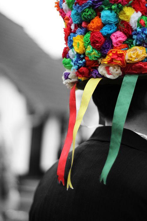 carnival colors carol