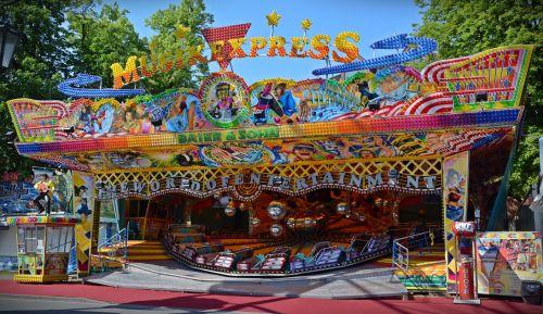 carousel year market folk festival