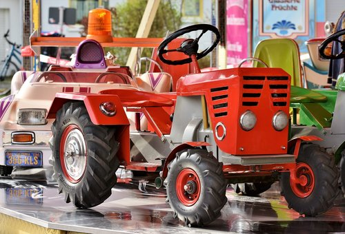 carousel  auto  tractor