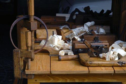 carpenter  plane flat-band  shavings