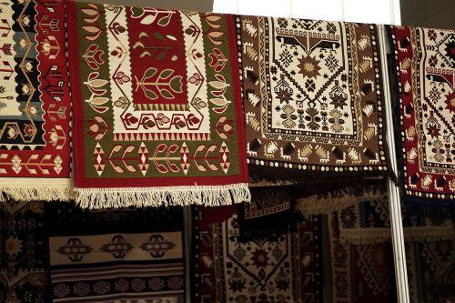 carpet traditional colors