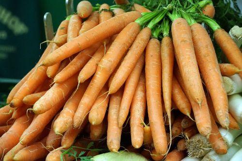 morkos,morkos,daržovės,federalinė valdžia,ūkininkų vietos rinka,sriubos žalumynai