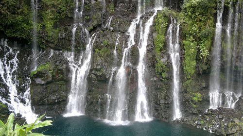 cascade waterfall the meeting